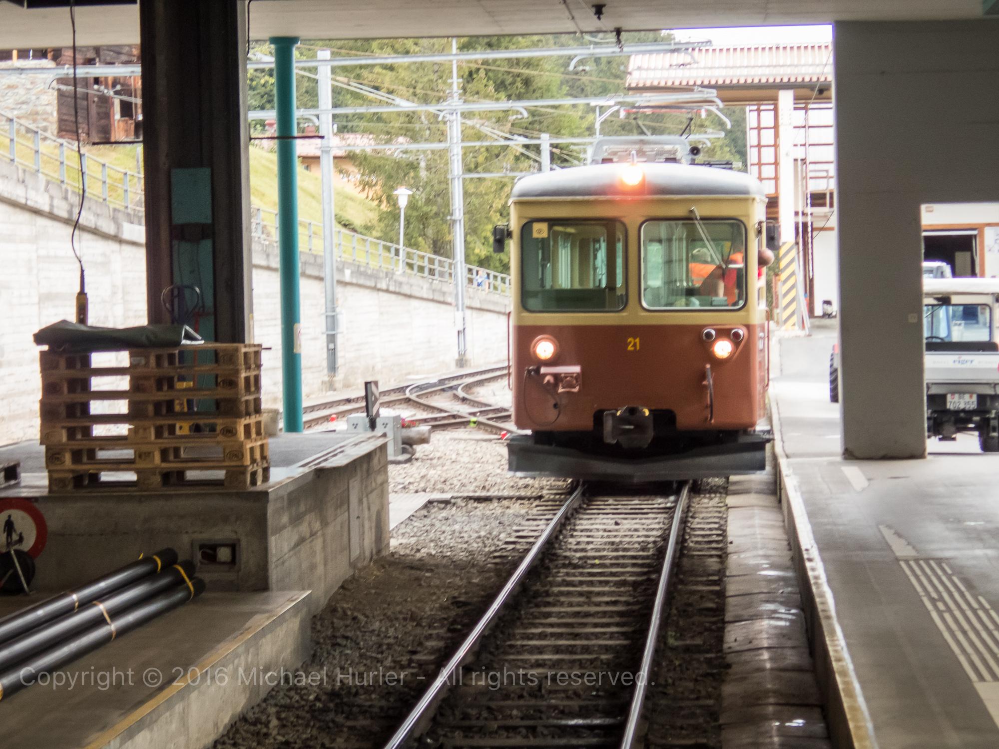 17.08.2016, Bärentrek - Von Mürren nach Kandersteg, Ankunft am Bahnhof in Mürren